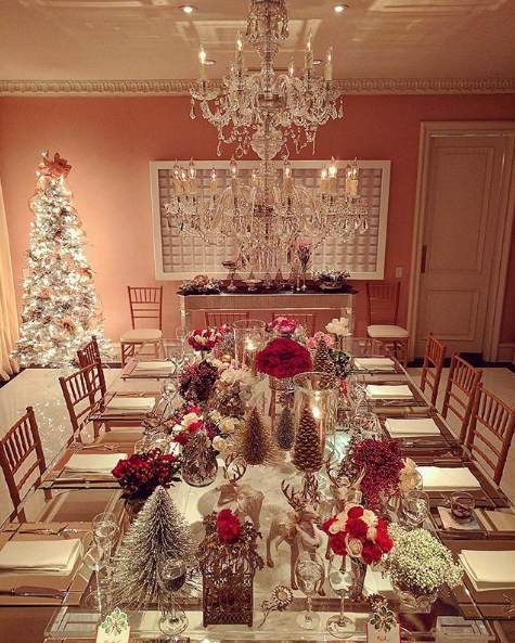 Step Inside Celebrities Homes See How They Decorated For Christmas Christmas Centerpieces Holiday Decor Christmas Decorations