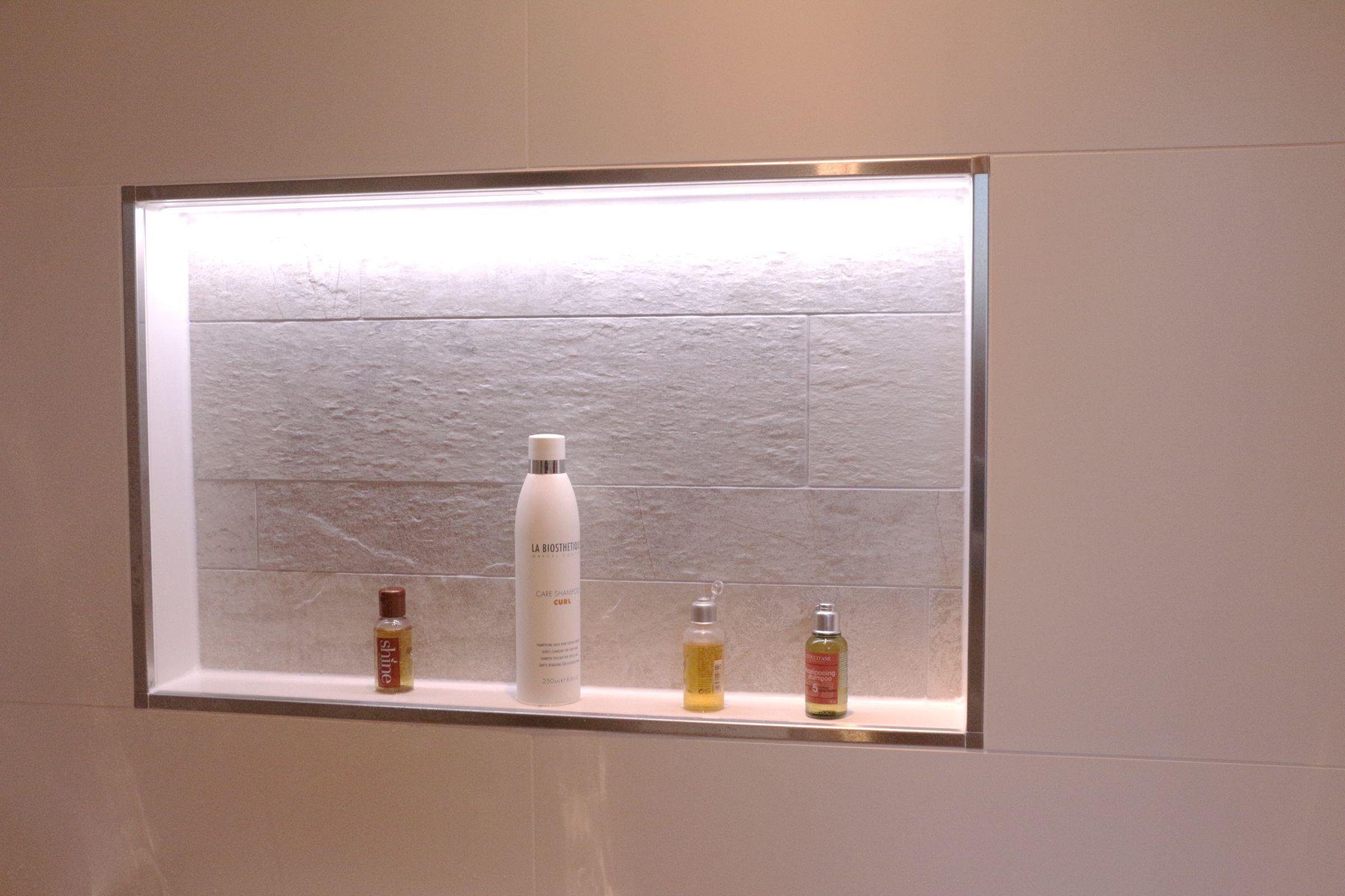 Ein Wandnische In Ihrem Bad Ware Nicht Nur Eine Optische Verschonerung Sondern Auch Effektiv Fur Mehr Stauraum Wandnisch Wandnischen Bad Wand Badezimmerideen