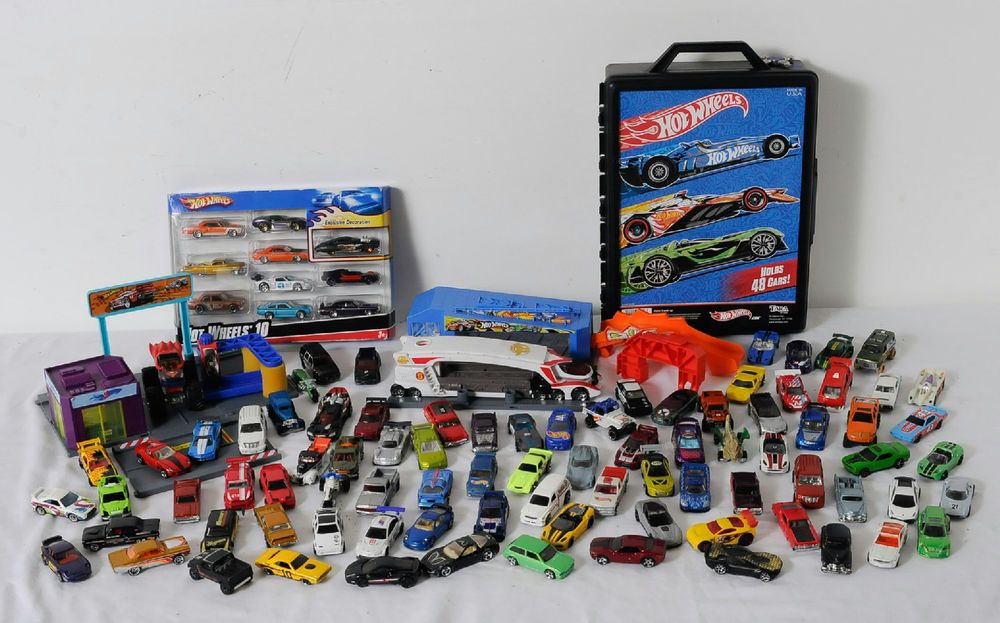 95 Hot Wheels Used Cars Truck Hauler 48 Car Carry Case Motorcycles ...