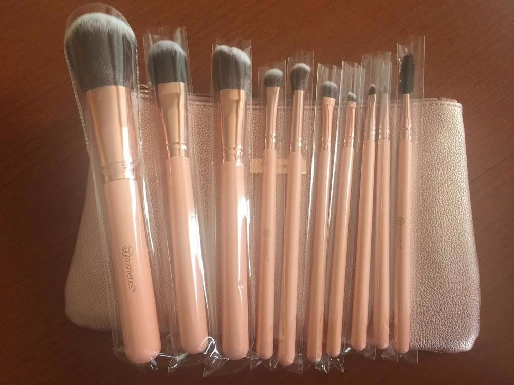 d3f47b5aaa26c BH COSMETICS PRETTY IN PINK 10 PIECE BRUSH SET WITH COSMETIC BAG FREE  SHIPPING  BHCosmetics