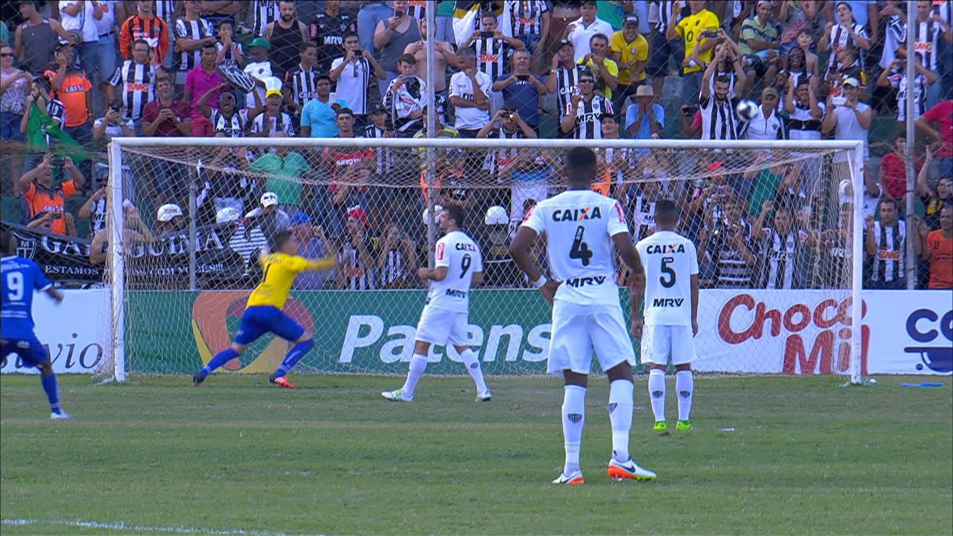 Lucas Pratto Explica 1º Penalti Perdido Na Carreira Chutei Mais Embaixo Esporte Globo Esporte Chute