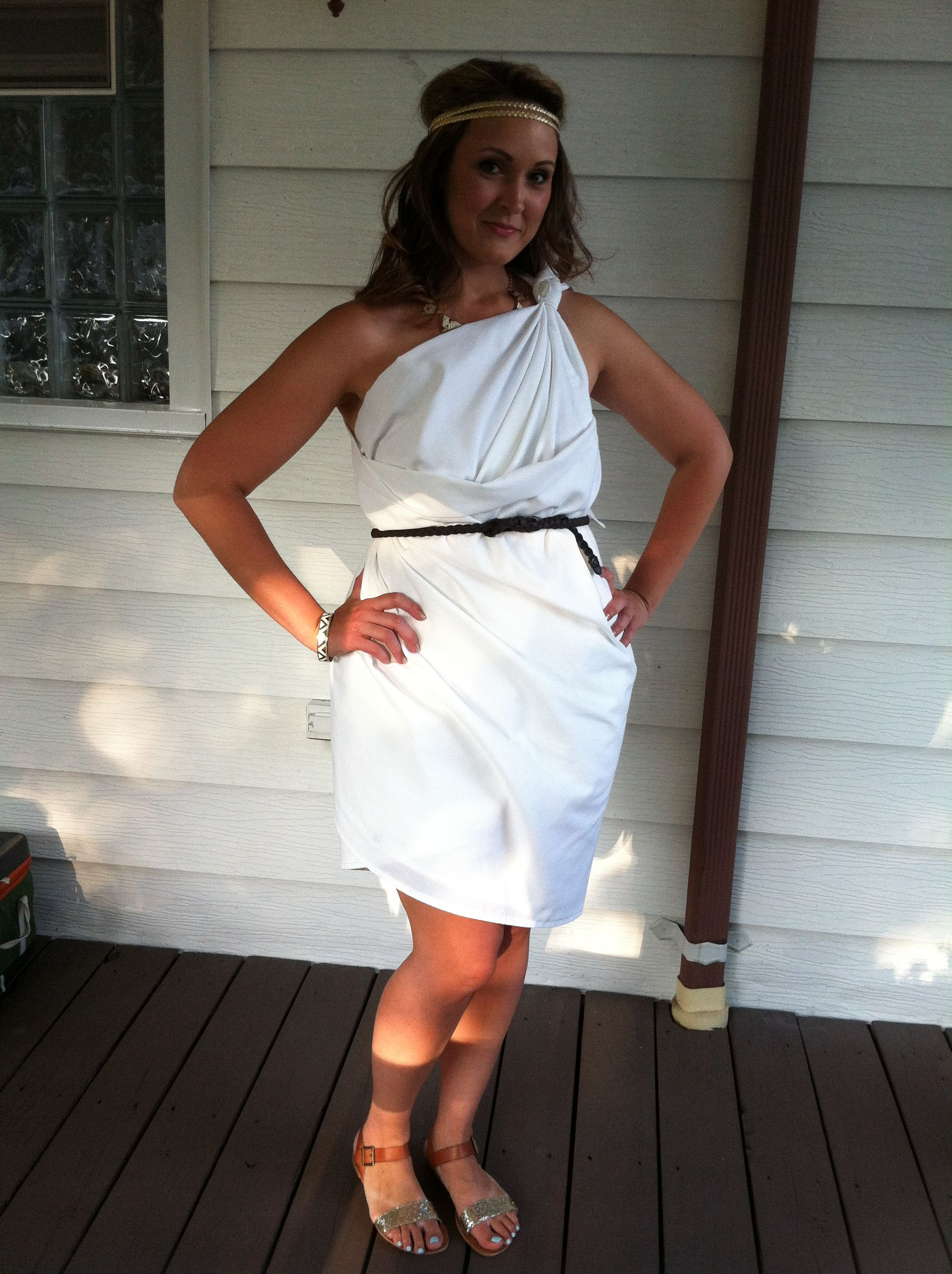 toga | toga party | DIY toga | toga toga toga | greek life | halloween costume | costume party | greek | college  sc 1 st  Pinterest & 3 Ways to Make a Toga Costume Out of a White Sheet | Greek Life ...