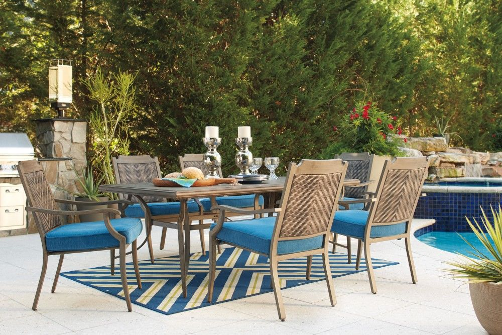 Partanna Blue Beige Rect Dining Table W Umb Opt Outdoor