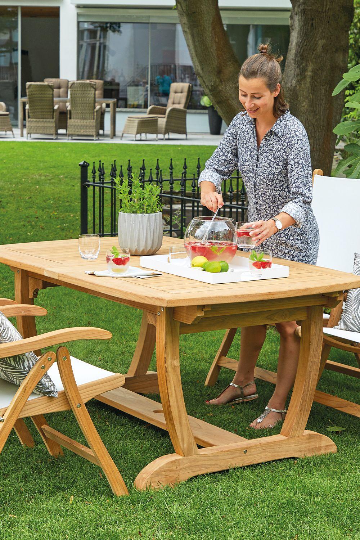 Die Ideale Pflege Fur Langlebige Holzmobel Gartenmobel Holz Gartenmobel Gartentisch Holz