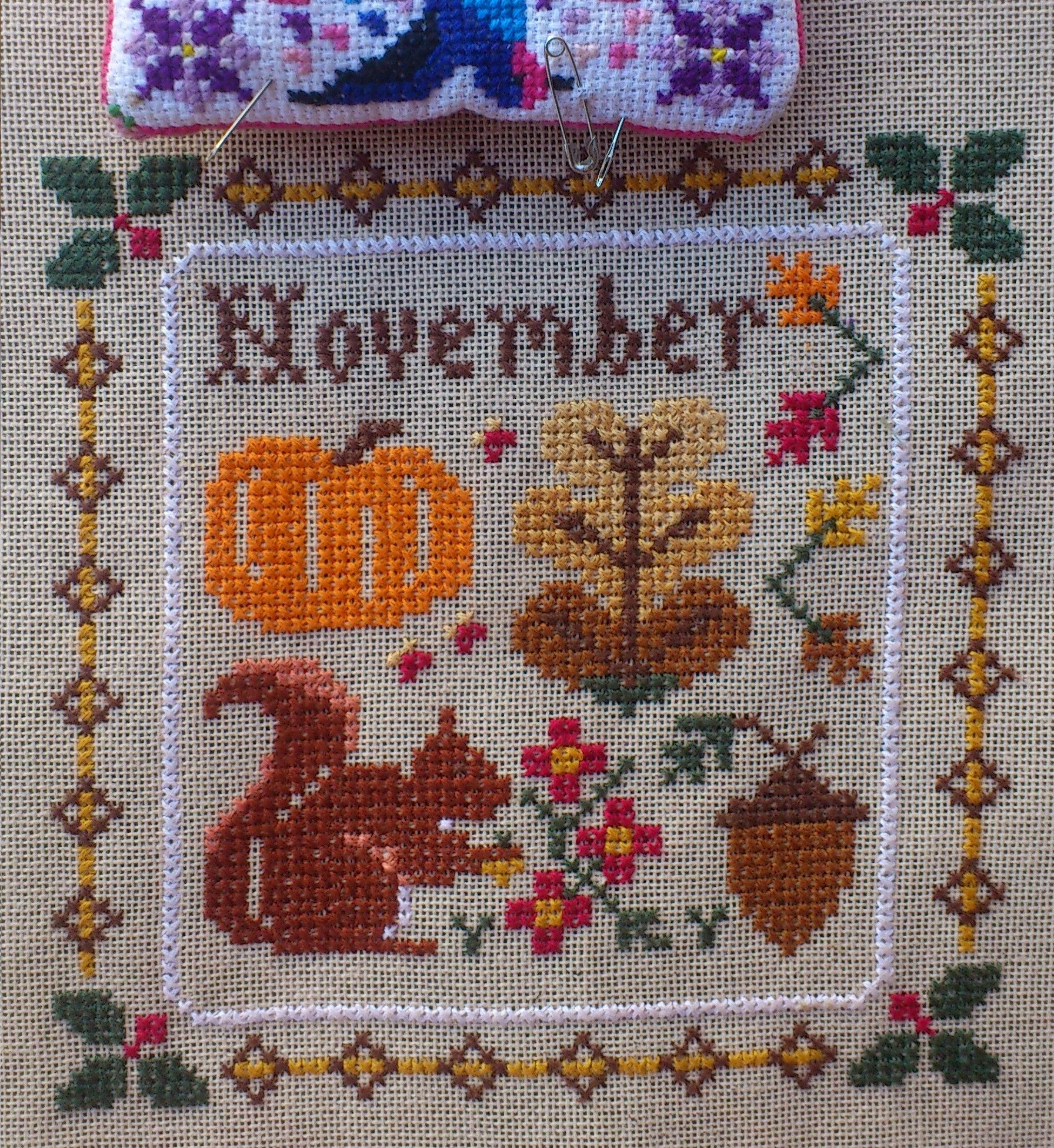 Little House Needleworks Monthly Sampler November Cross Stitch Ponto Cruz