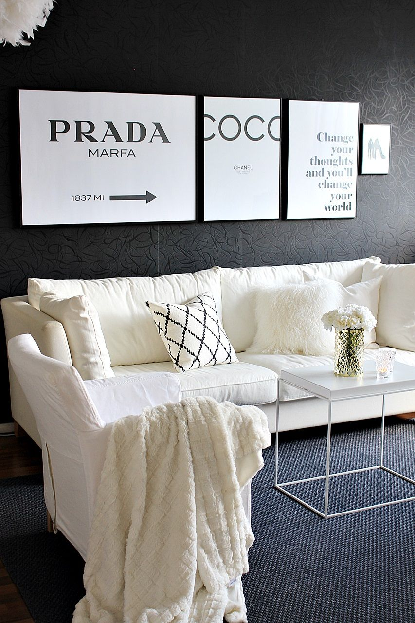 Olohuone livingroom black and white desenio juliste posters chaatwal & jonsson ikat kerela hay tray table