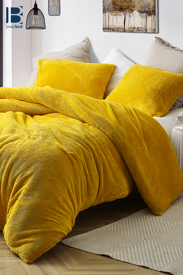 Unique Yellow Shade Oversized Twin Xl Queen Or King Duvet Cover With Super Warm Plush Material Yellow Comforter Comforters Yellow Room