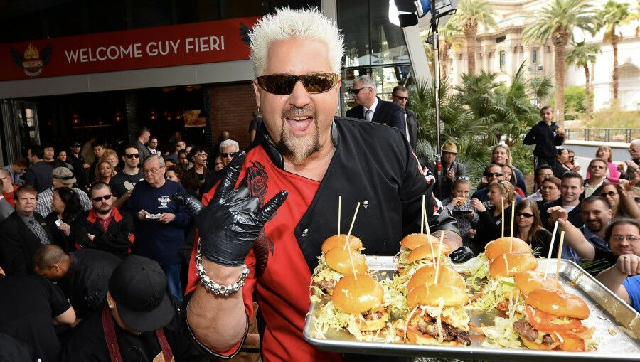 Here S Every Chicago Restaurant Featured On Diners Drive Ins Dives 93 9 Lite Fm Guy Fieri Celebrity Chefs Chicago Restaurants