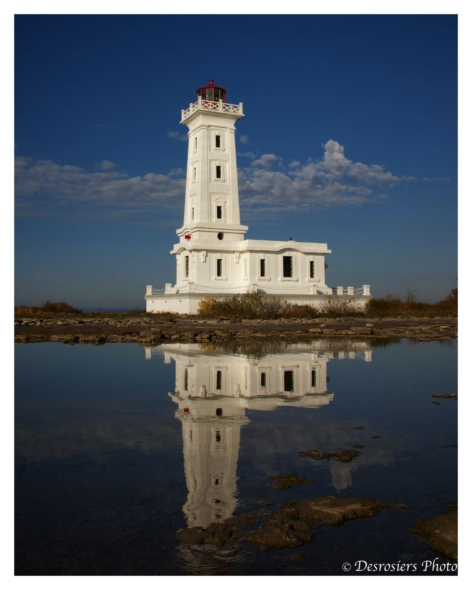 Point Abino Lighthouse on the shore of Lake Erie in Fort Erie, ON, Canada