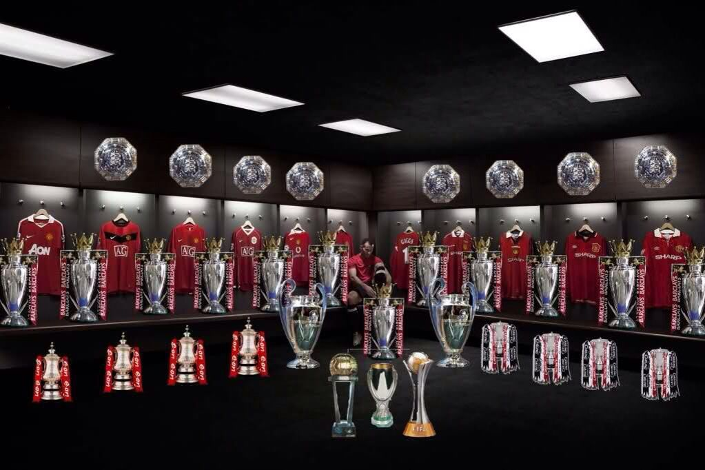 Ryan Giggs trophy cabinet! | Manchester united football club, Ryan ...