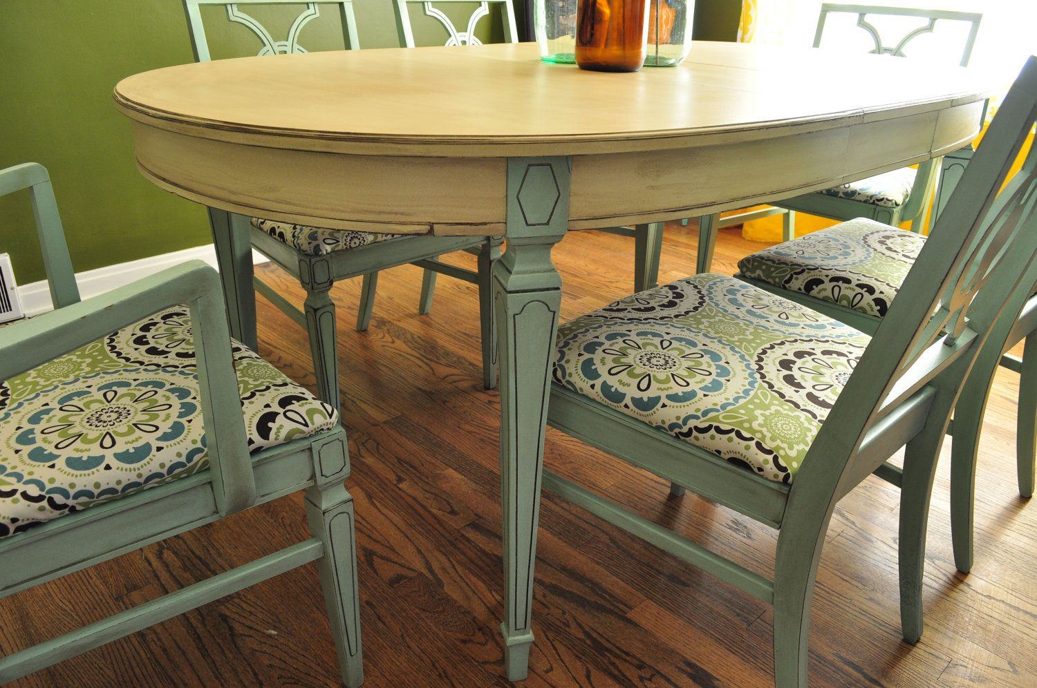 Tutorial Grey Painted Dining Table And ChairsI Like The Idea Need To Update My Old Set Possibly A Different Color Than Bluish But