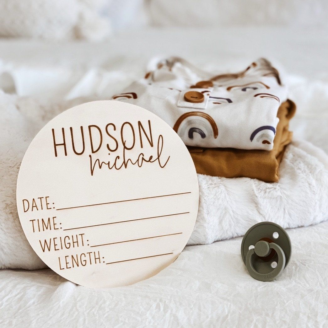 Newborn Photo Hospital Sign Baby Name Plaque Wooden Name Announcement Plaque Hello World Baby Name /& Birth Stats Sign 15cm