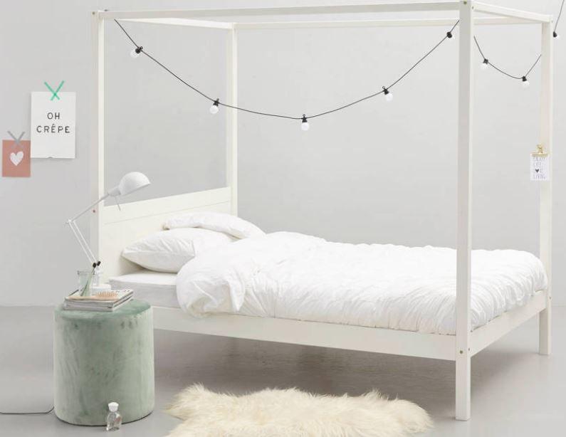 Hemelbed In Slaapkamer : De slaapkamer met hemelbed van van nassau picture of chateau de