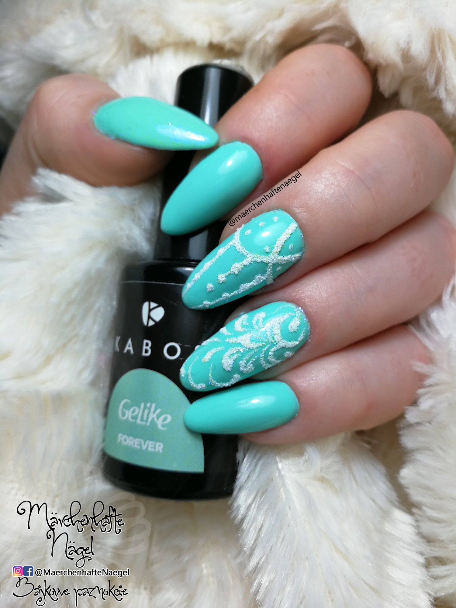 green nails, mint nails, gel nails with glitter, gruene naegel mit ...