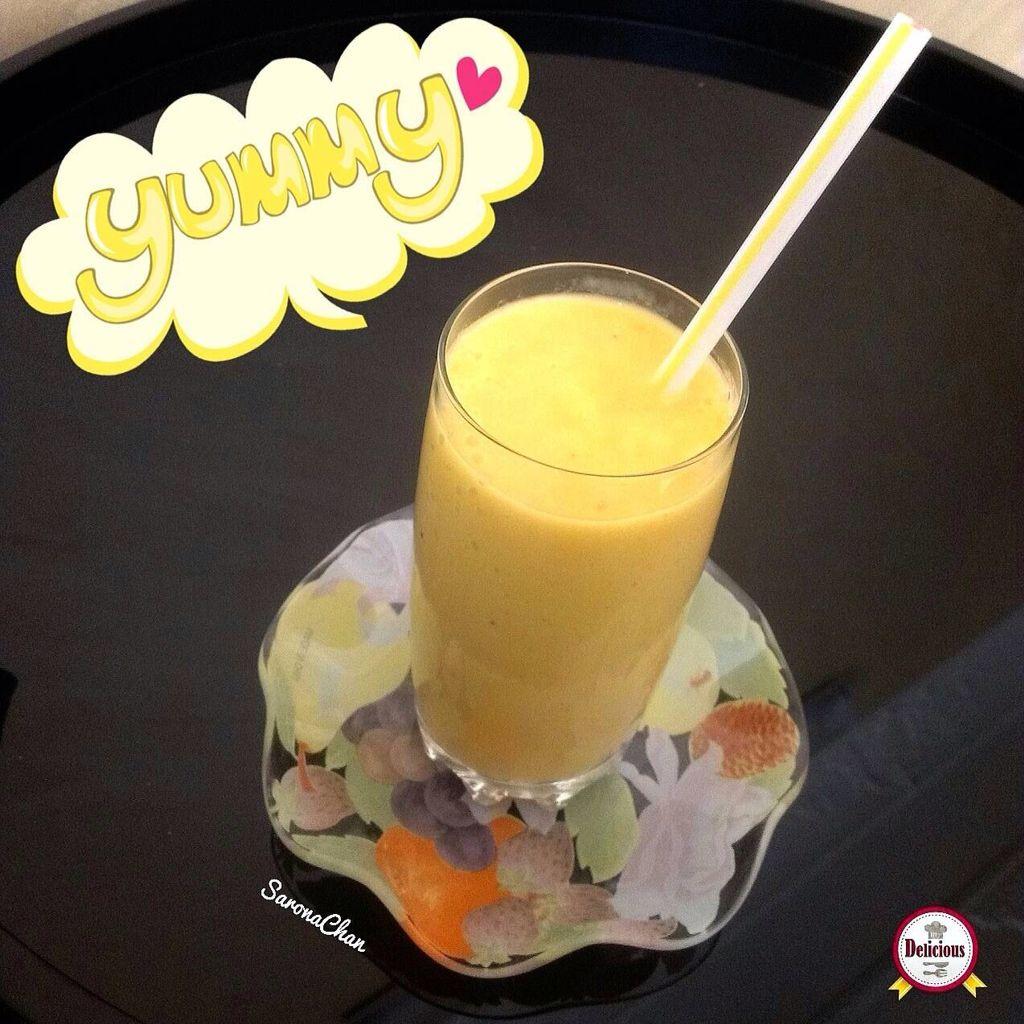 السموثي البرتقالي للسموثي فوائد كثيرة منها مفيدة للبشرة ويحافظ على نسبة الماء في الجسم وتوفر الكالسيوم للجسم لاحتوائه على الحليب ويحرق ال Yummy Delicious Food