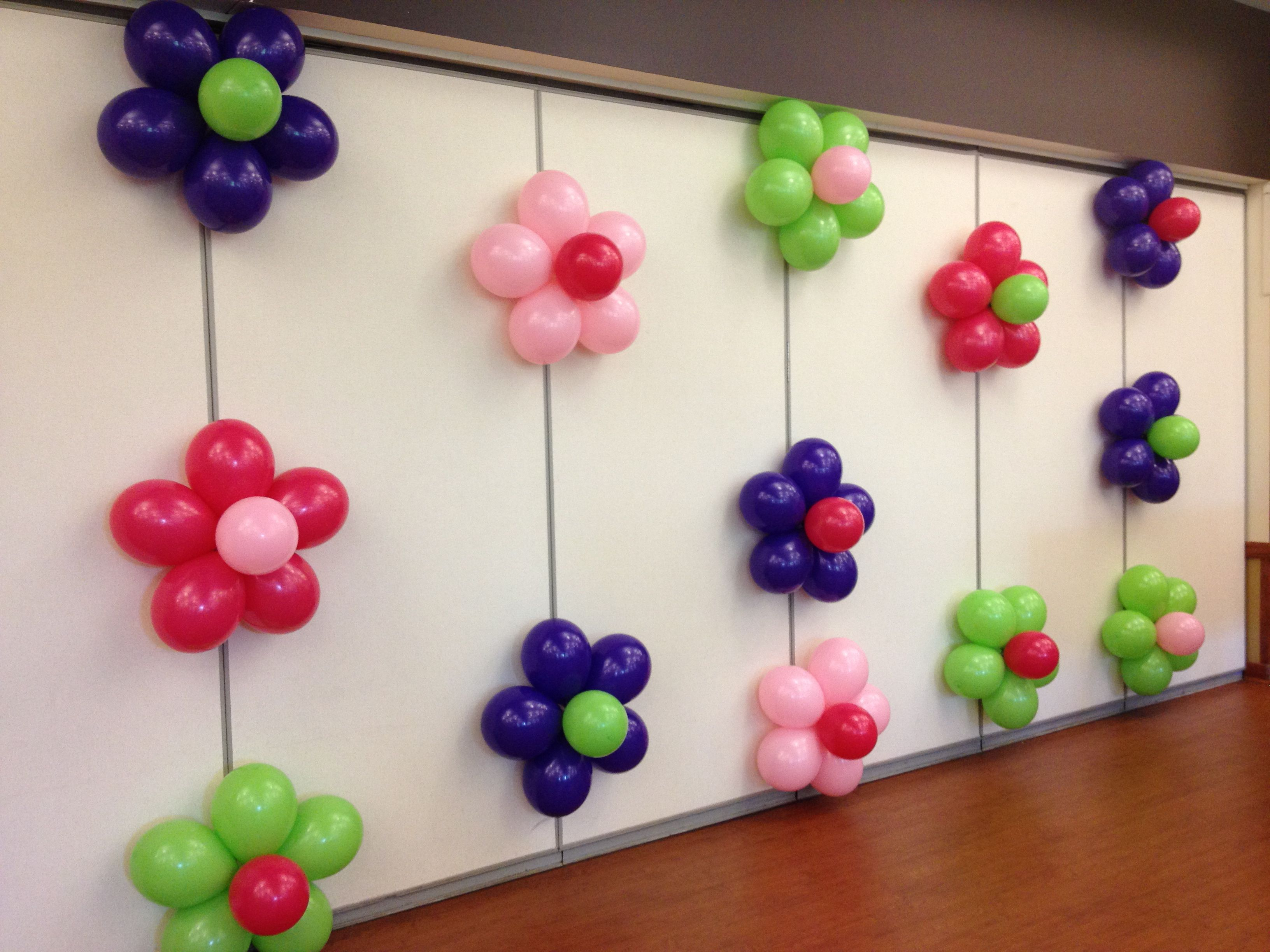 Balloon flower wall 90th party pinterest balloon for Balloon decoration on wall for birthday