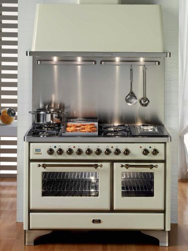 cucina con cappa integrata ilve, mod. majestic | Cucine ...