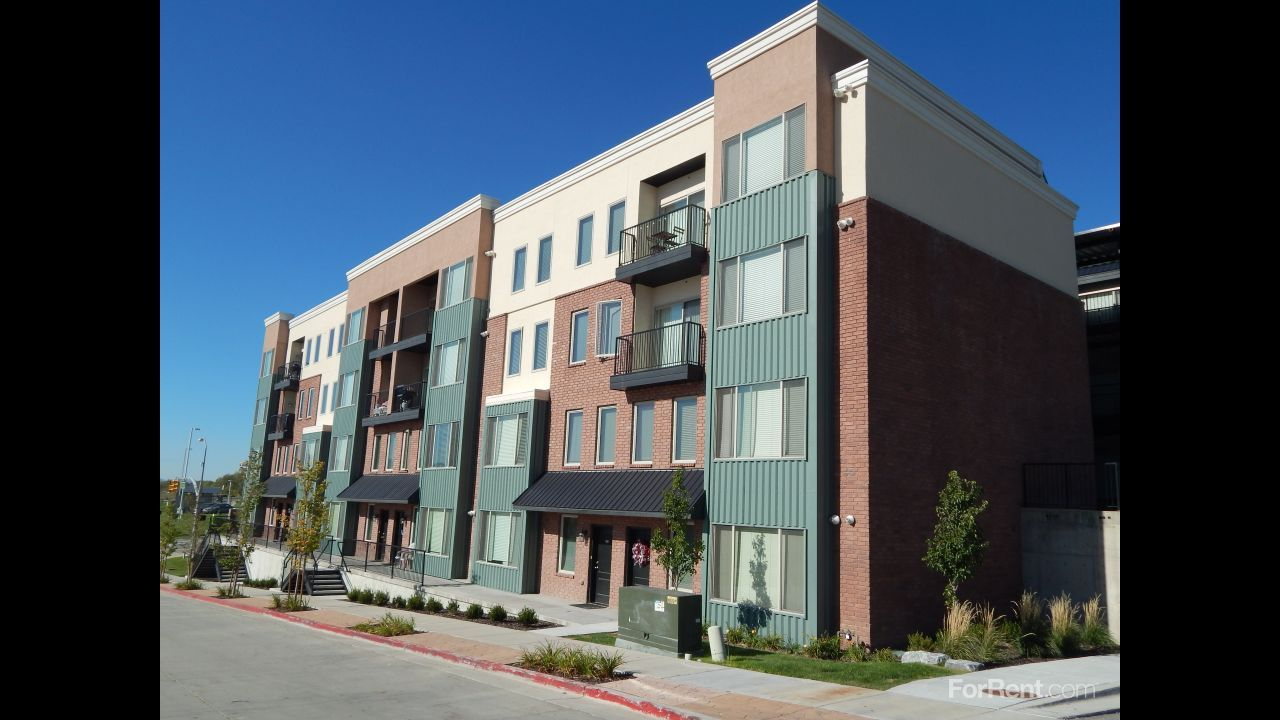 Nice apartments, decent price, right by trax! Cool