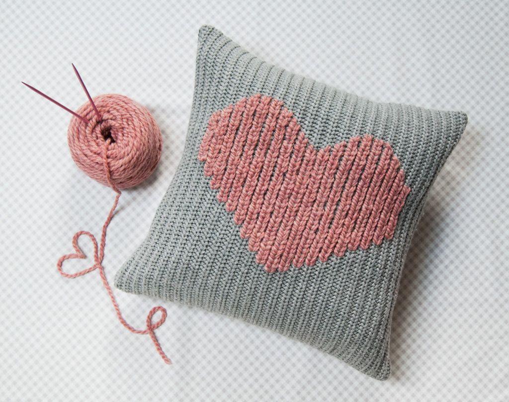 DIY: duplicate stitch heart pillow