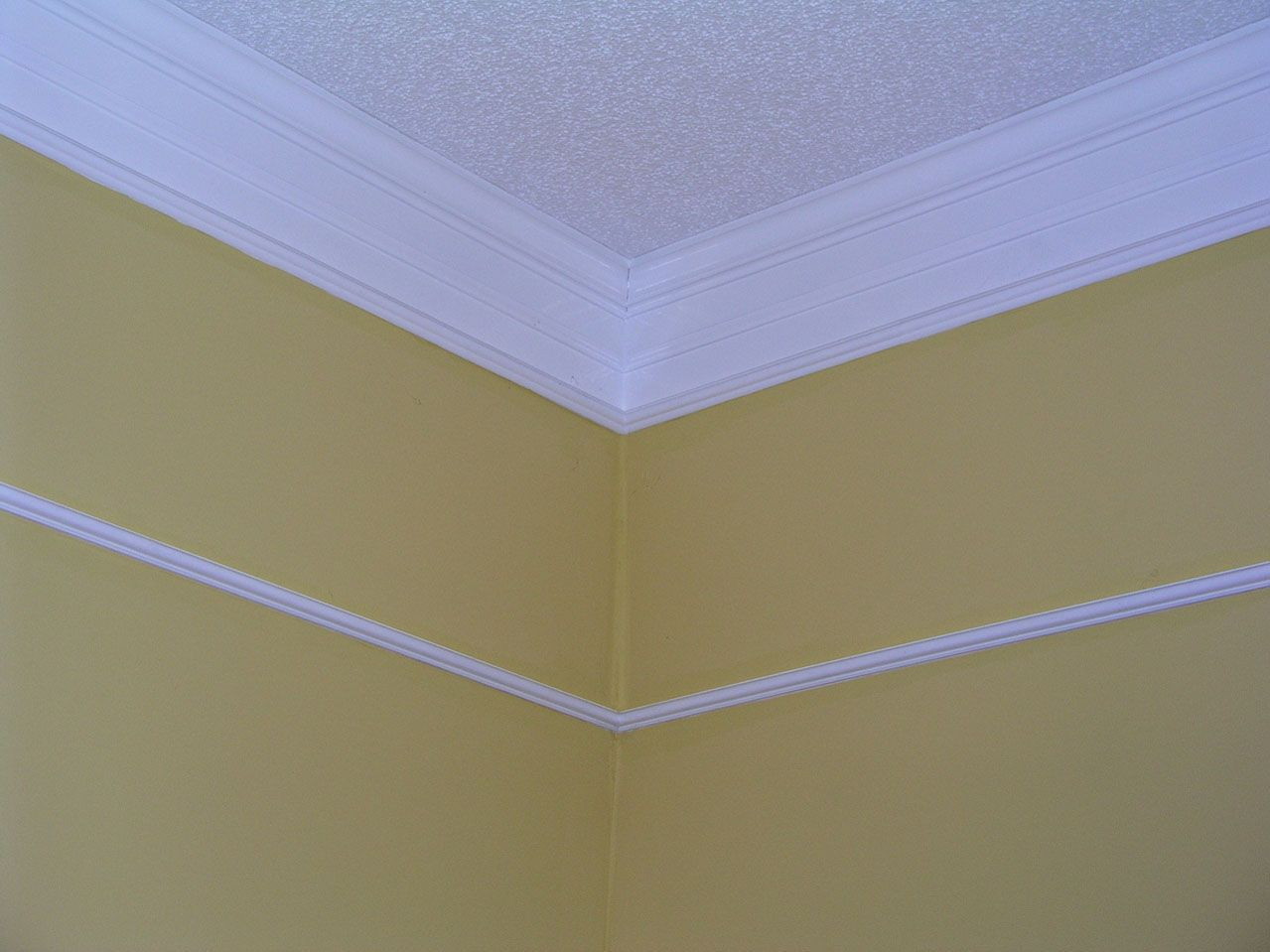 Using Crown Molding To Hide Wallpaper Border
