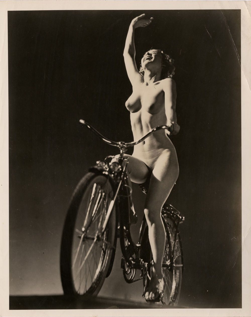VINTAGE PIN UP PHOTO BUSTY NUDE WOMAN BACK SMILING POSING ADULT ONLY ITEM   bji       Pinterest