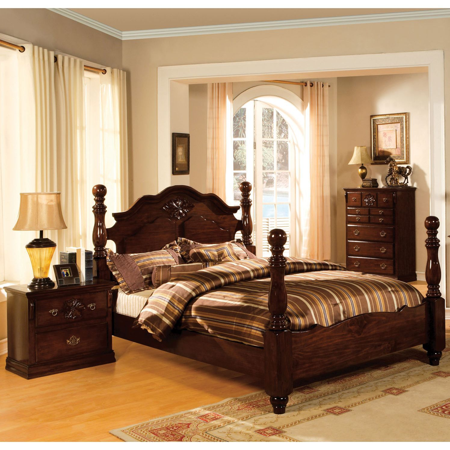 Furniture of America Weston Traditional 3-piece Glossy Dark Pine Poster Bedroom Set (Cal. King), Brown, Size California King
