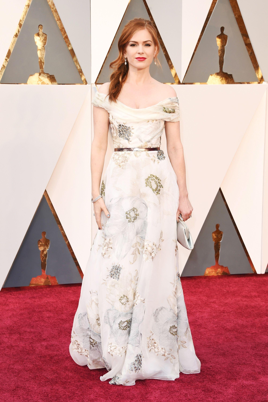 Isla Fisher In Salvatore Ferragamo At 2016 Oscars