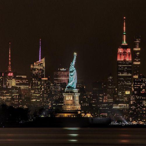 Nyc Skyline At Night By Milan2ny Nyc Skyline New York City
