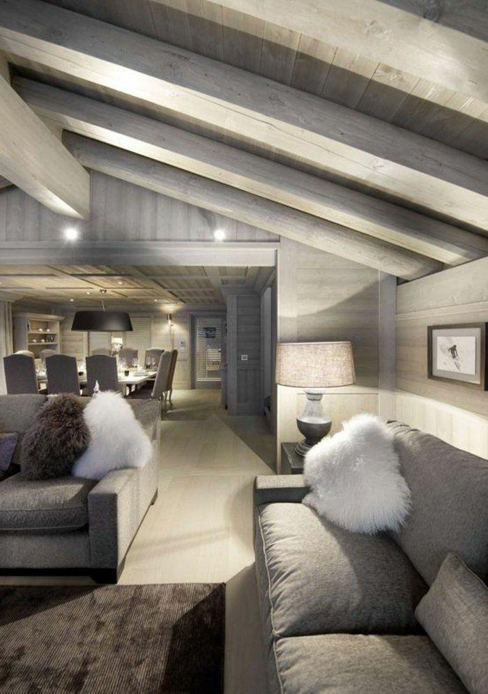 eine Stehlampe mit verschiedenen Lichten Wohnzimmer in grau, zwei - wohnzimmer dekoration grau