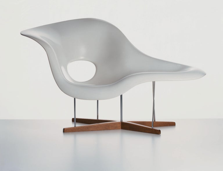 Vitra La Chaise Chair By Charles And Ray Eames In 2020 Chaise Chair Vitra Lounge Chair Vitra Chair