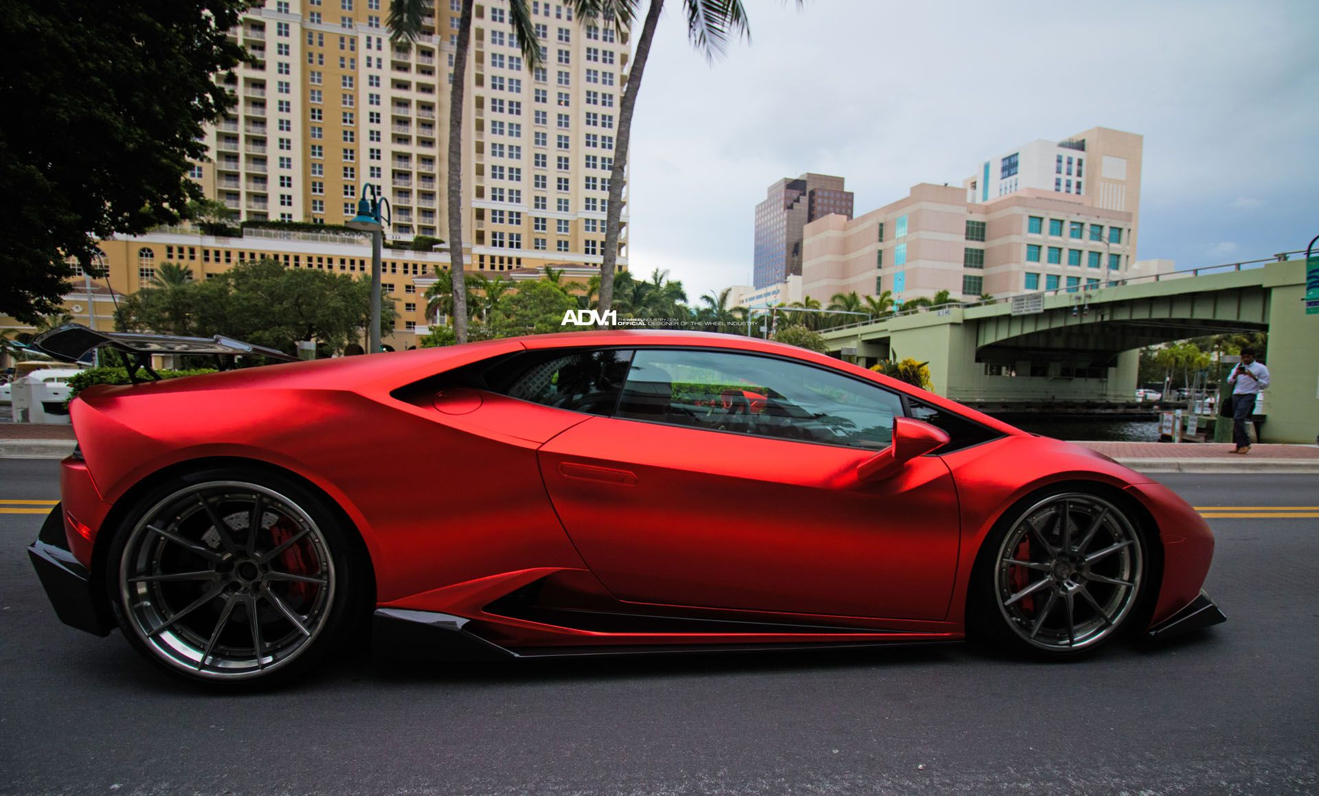 Superbe Matte Red Lamborghini Huracán With Industries Kit And .