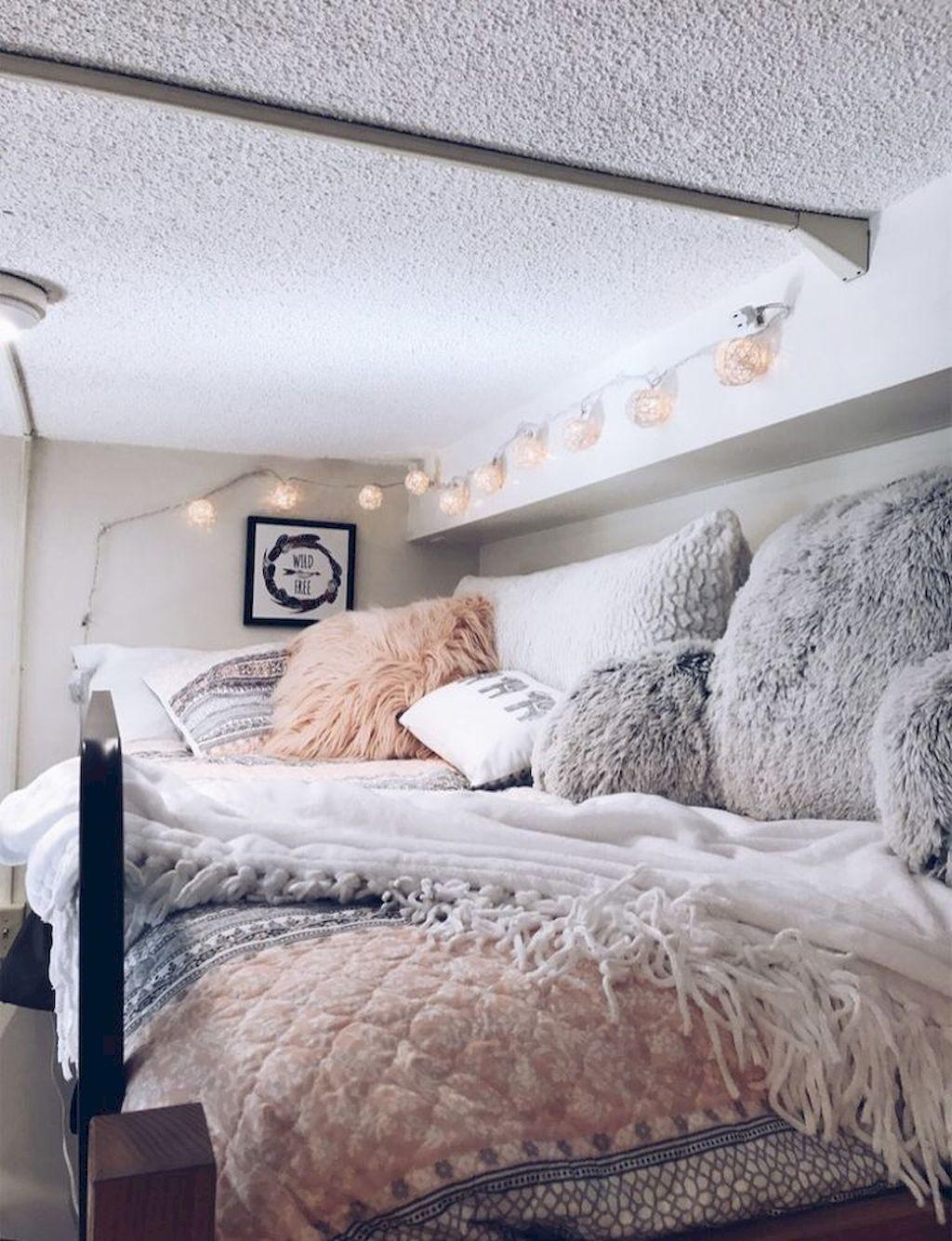 College loft bed ideas   genius dorm room decorating ideas on a budget  college D O R M