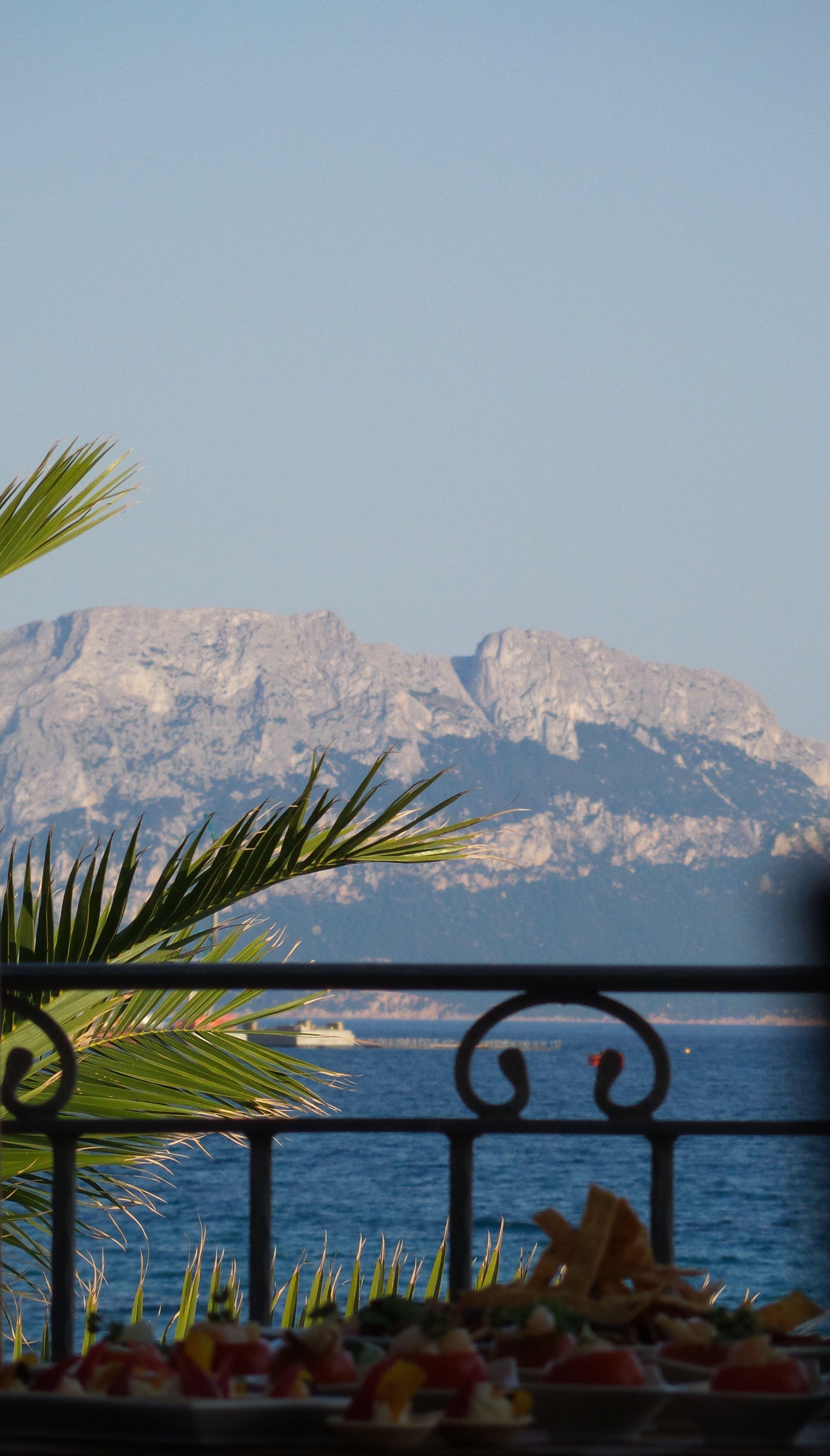 Aperitivo in terrazza vista mare - Hotel Gabbiano Azzurro ...