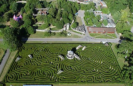 Longleat Hedge Maze, England  The maze is part of the 8000 acres that have been the home of the Marquesses of Bath since 1541. Added to the historic grounds in 1975, the Longleat Hedge Maze is the largest of several mazes on the property. The maze is constructed of more than 16,000 English yews with several dead ends, multiple paths, raised bridges, and a central tower.