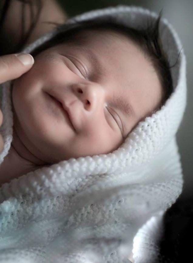 Resultado de imagen para bebe recien nacido feliz