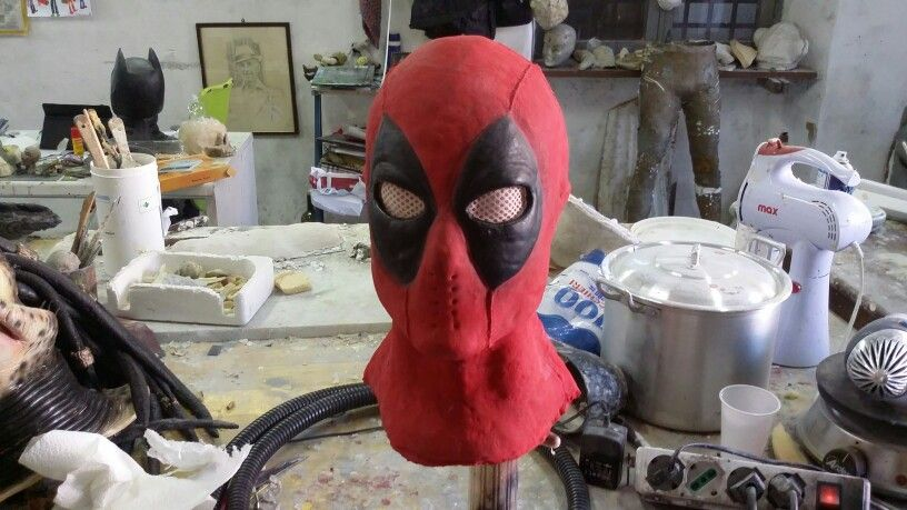 Dead pool mask pizzolittofxstudios