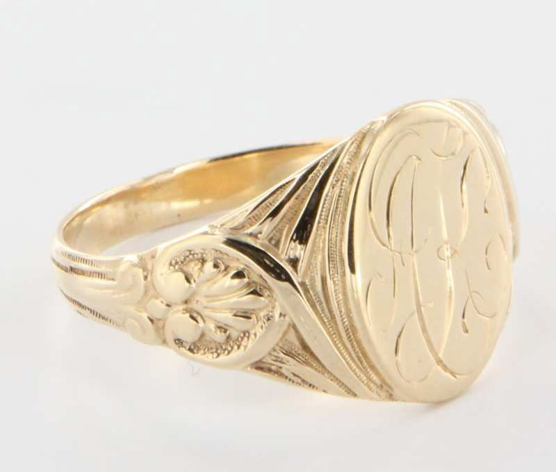 antique 14 karat yellow gold mens signet ring
