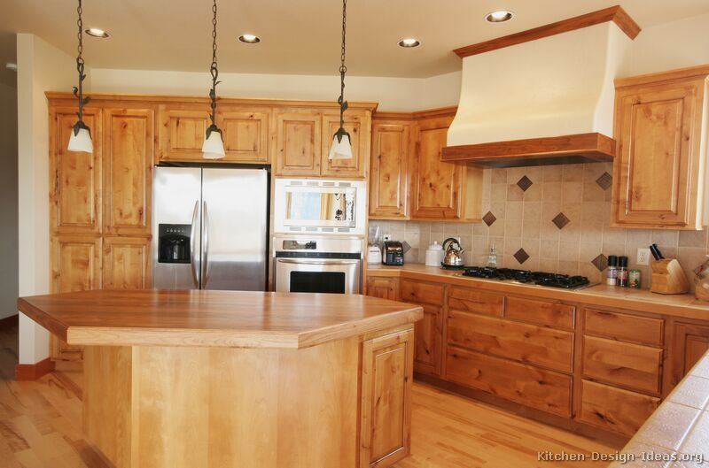 Traditional Light Wood Kitchen Cabinets #01 (Kitchen-Design-Ideas ...