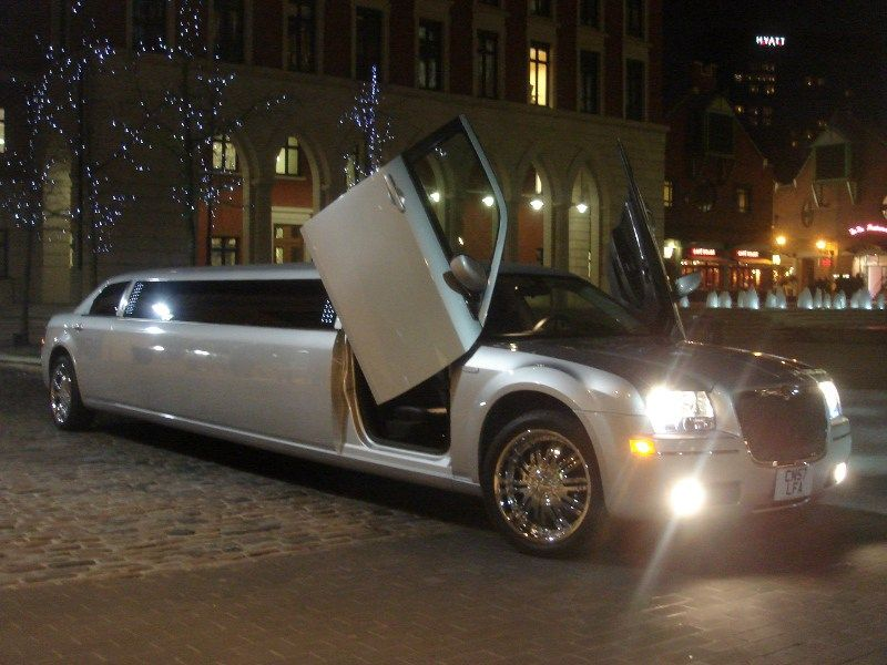Best Prom Car Hire Essex Book Your Prom Transport Essex