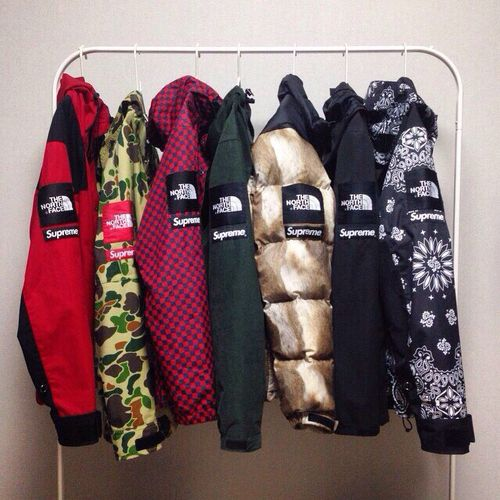 chubasquero north face supreme