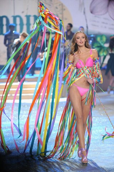 4c4a416d0b Frida Gustavvson Victoria s Secret Fashion Show 2012 Calendar Girls ...
