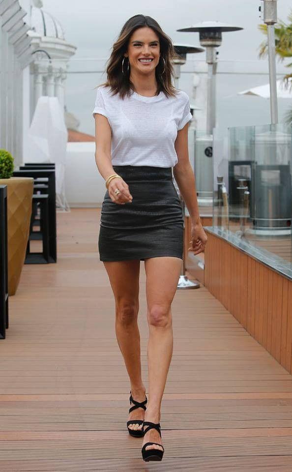Stunning Alessandra Ambrosio in a black mini skirt and ...