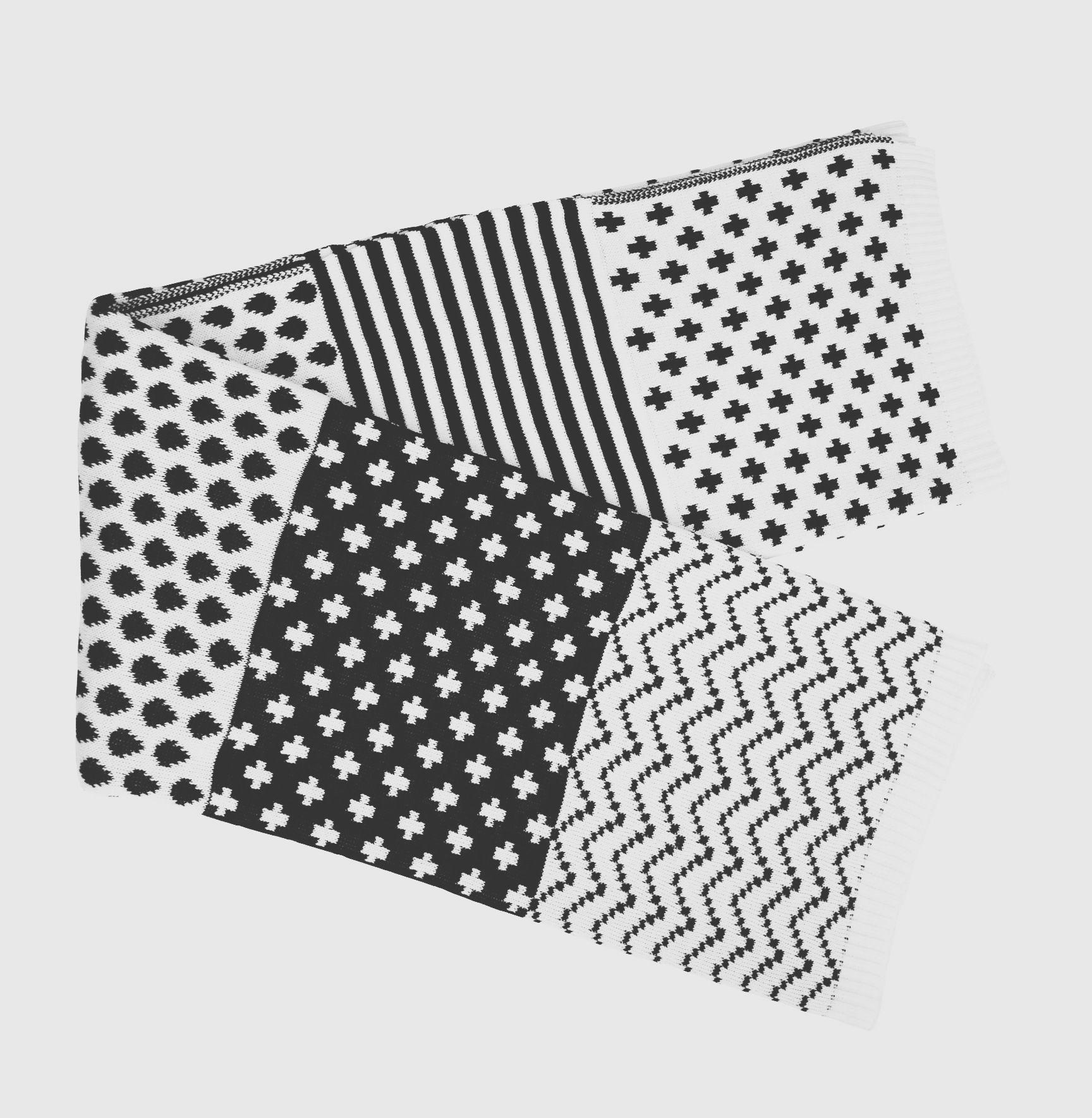 #black #white #throw #jacquard #knitted