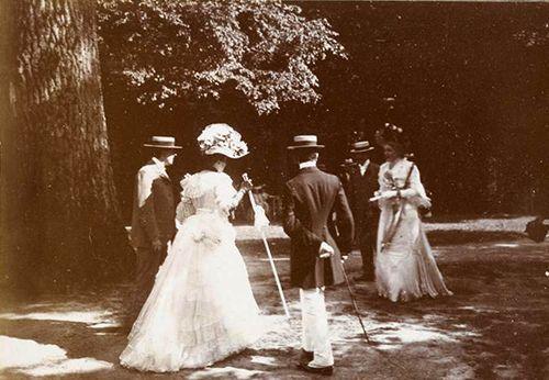 A garden party held at Marie Antoinette's hamlet... | gdfalksen.com