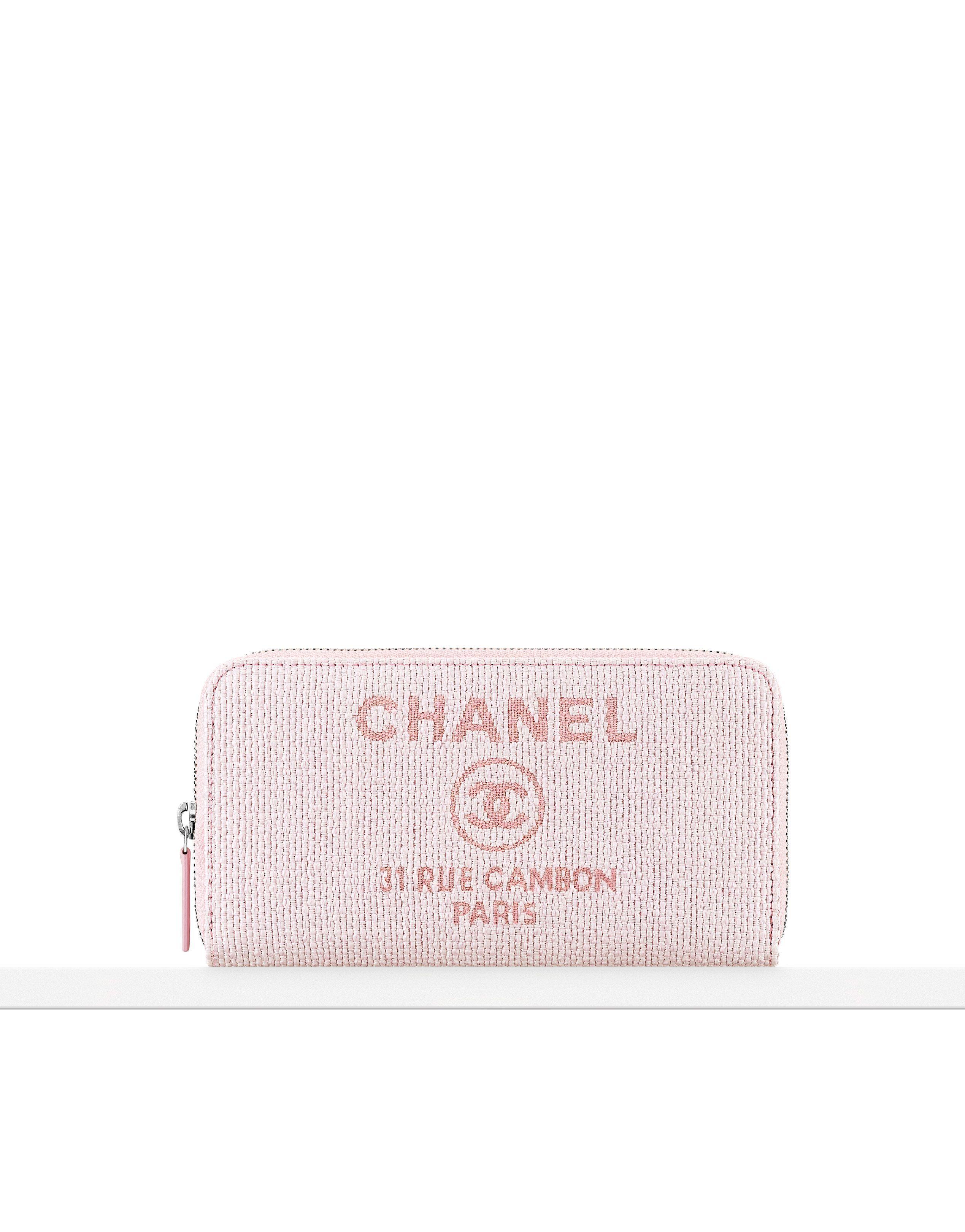 Portefeuille zippé en toile - CHANEL   sac rose   Pinterest   Petite ... 18da8d5c39b
