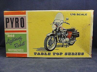 Vintage Pyro Bsa Lightning Rocket Motorcycle 1 16 Scale Model Kit W Original Box Model Kit Scale Model Kit Scale Models