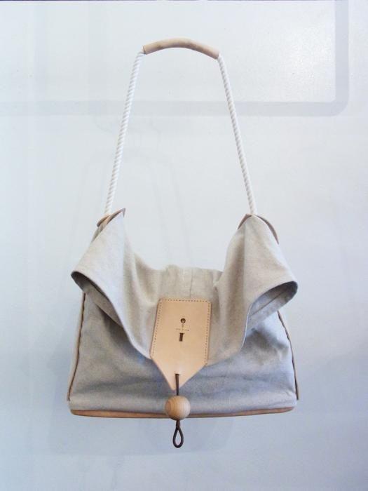 Hous Canvas Bag - Wallace & Murron