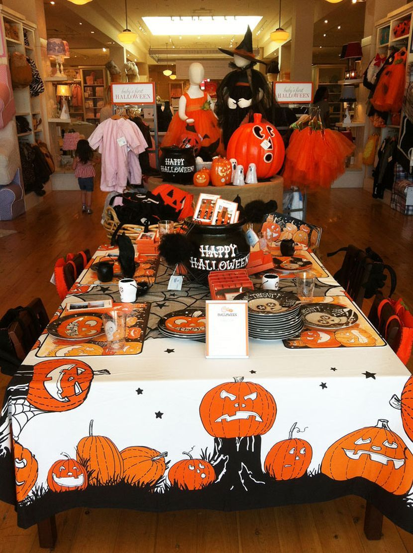 30 Halloween Party Table Decoration Ideas For Kids Halloween