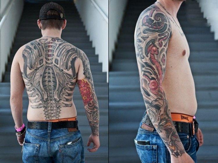 Ganzer Arm Und Rucken Mit Biomechanischen Tattoos Tatowiert Tatoos