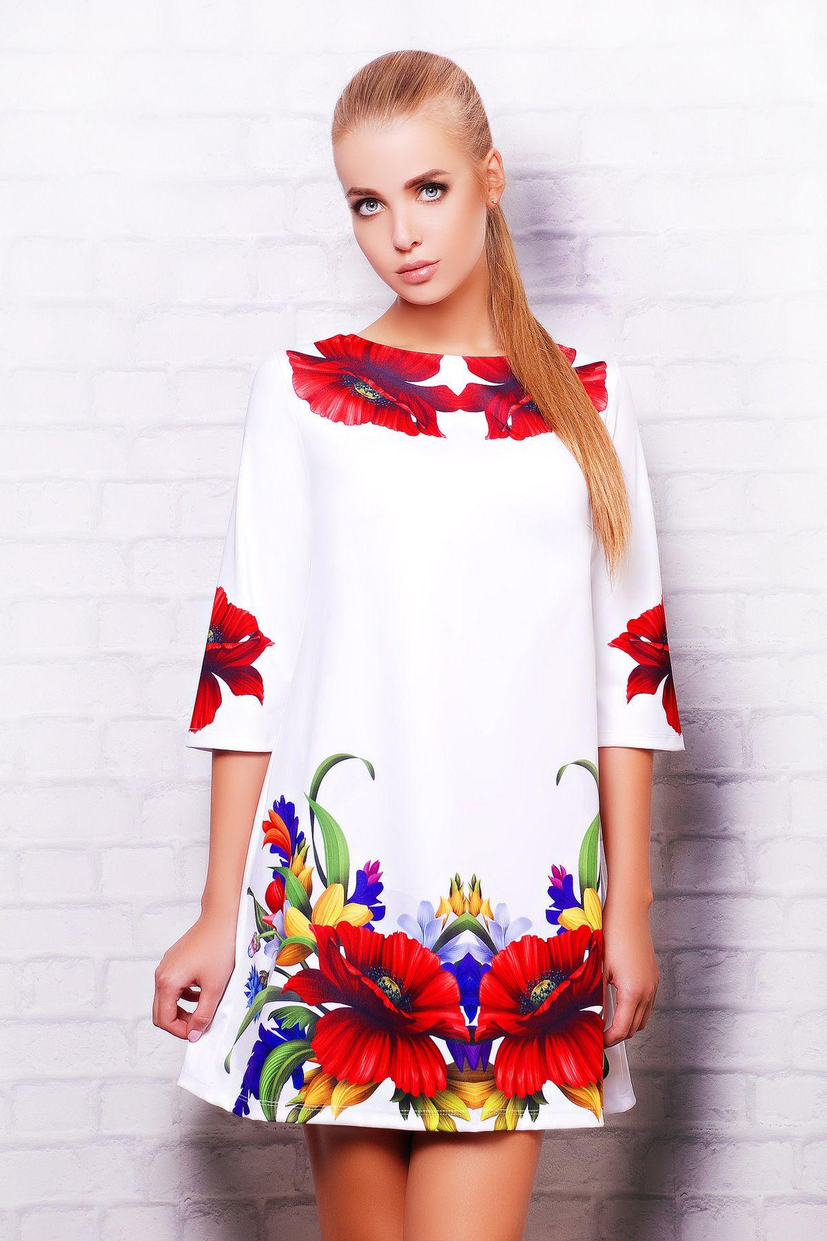 Платье белое с красными розами